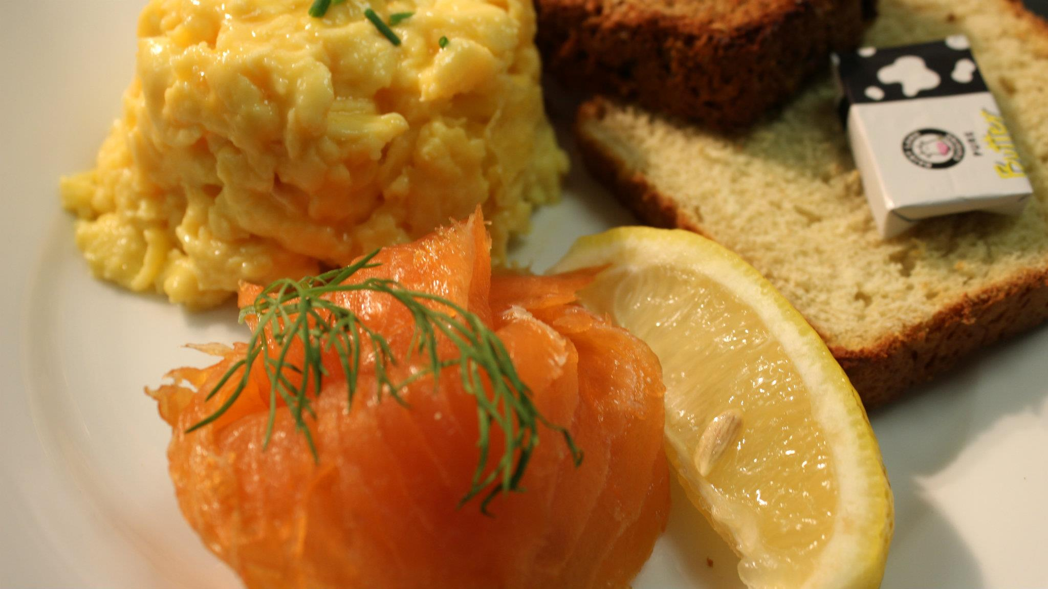 image of 愛爾蘭三文魚炒蛋早餐 Queen of Tarts Smoked Salmon and Scrambled Eggs