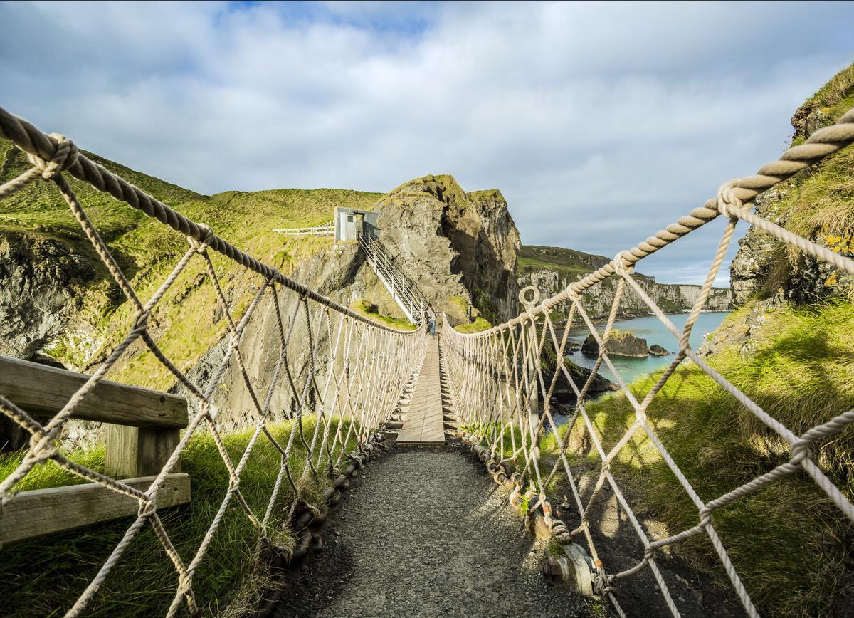 愛爾蘭旅遊景點英國北愛爾蘭卡里克吊橋 Carrick-a-Rede Rope Bridge County Antrim Northern Ireland , Carrick-a-Rede Rope Bridge