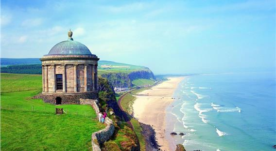 Image of 愛爾蘭旅遊景點英國北愛爾蘭倫敦德里郡 County Londonderry Northern Ireland Mussenden Temple and Downhill Demesne Londonderry Northern Ireland