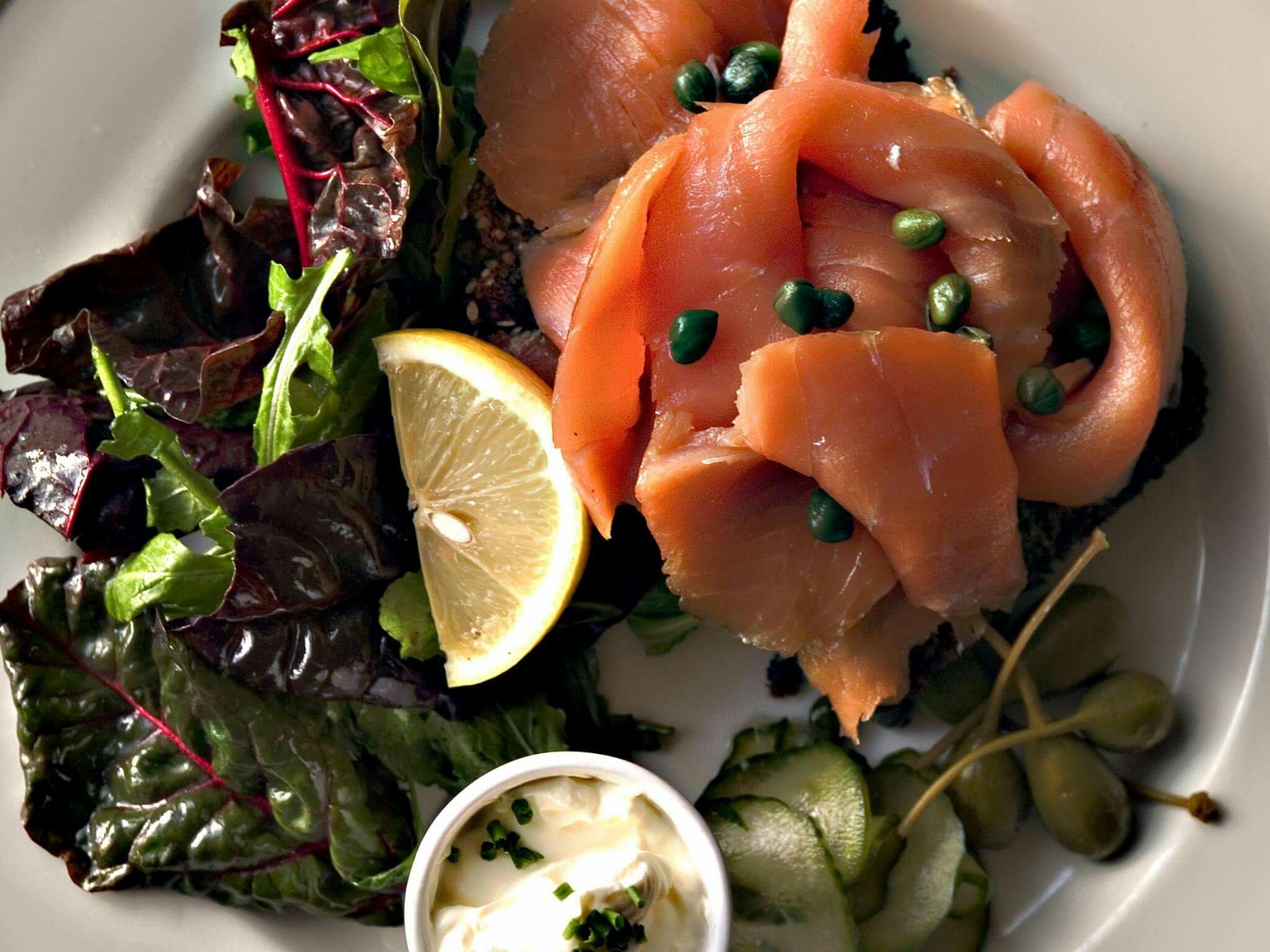 愛爾蘭美食三文魚在都柏林吃煙三文魚 Try Smoked Salmon in Dublin Ireland