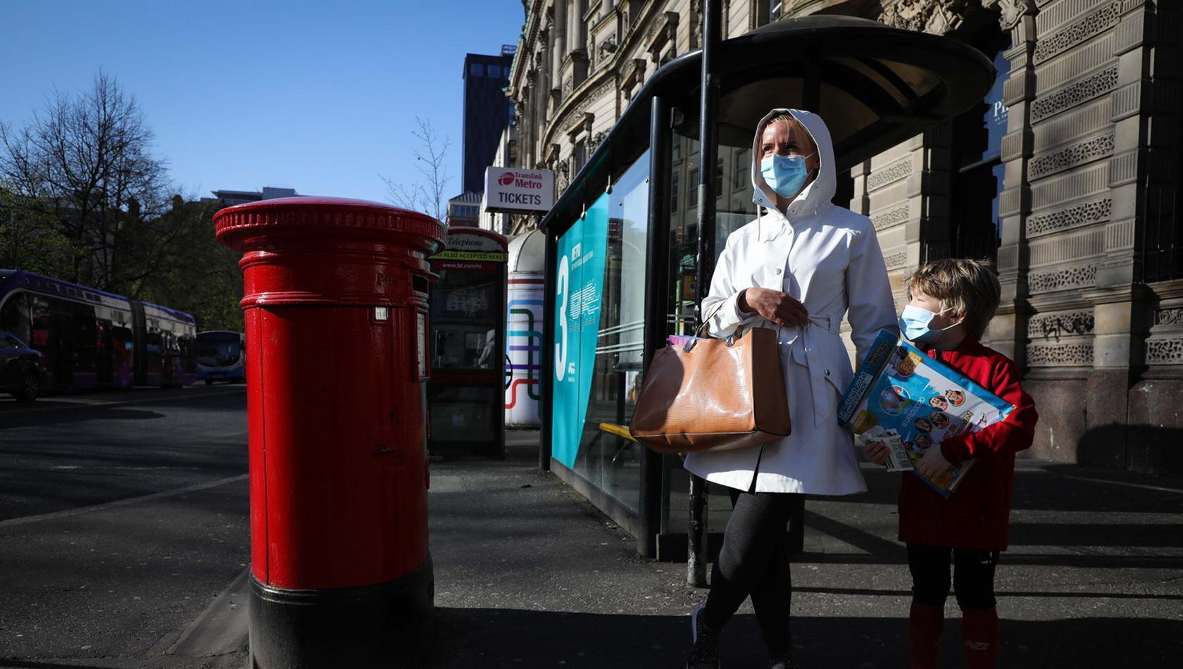 Belfast city centre public wear masks
