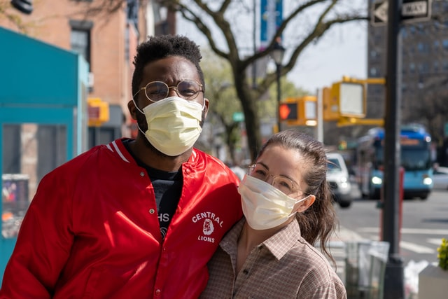 couple wearing mask in new york
