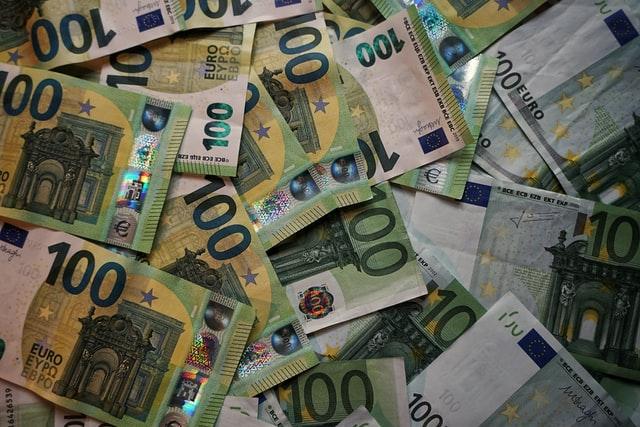 euro bank notes 100 euro